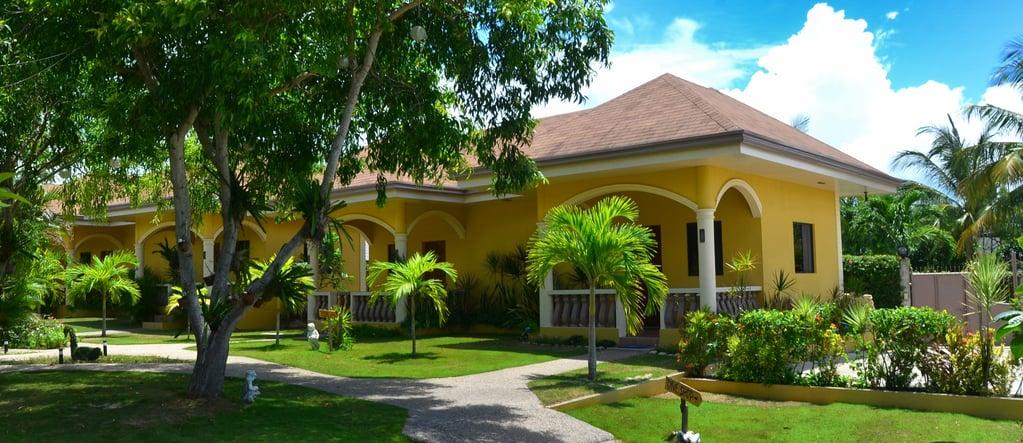 Garden-view_Rooms-1.jpg